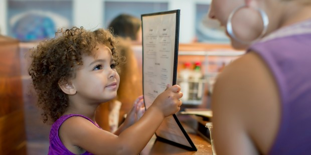o-kids-in-restaurant-facebook
