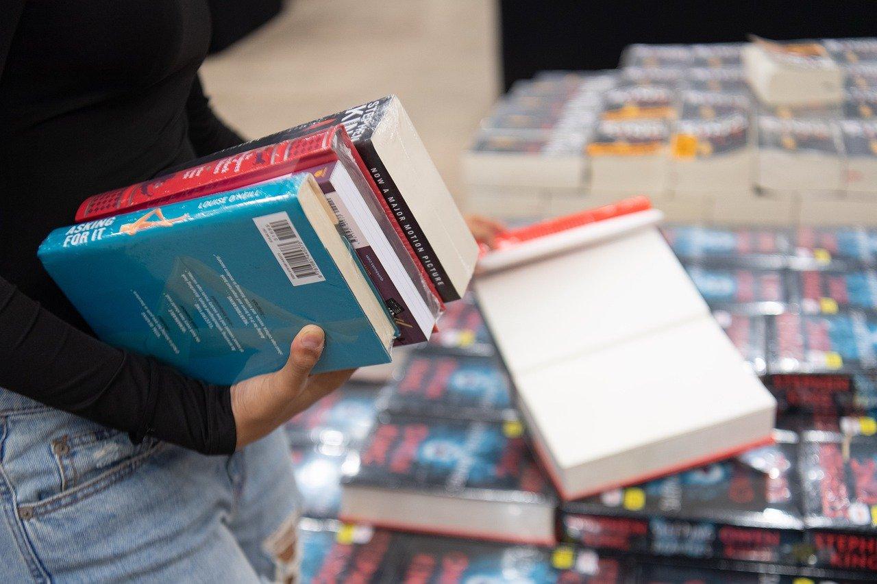 books-5053740_1280