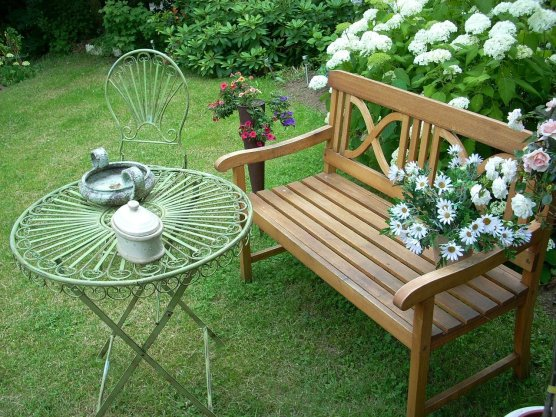 garden-171841_1280